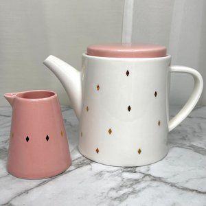 Kikki K Live Bright Teapot and Milk Jug Set White